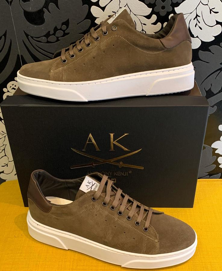 Sneakers uomo Anthony Kenji in camoscio marrone