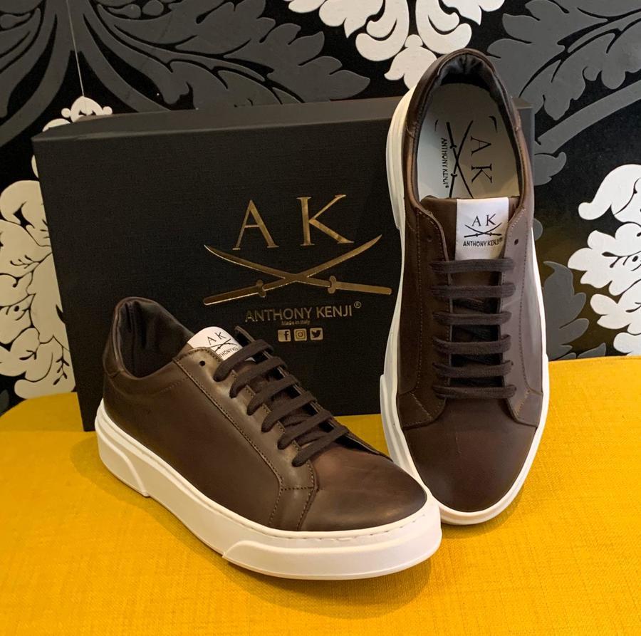 Sneakers uomo pelle marrone gomma bianca