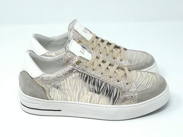 Sneaker Zebrata  - LIFE