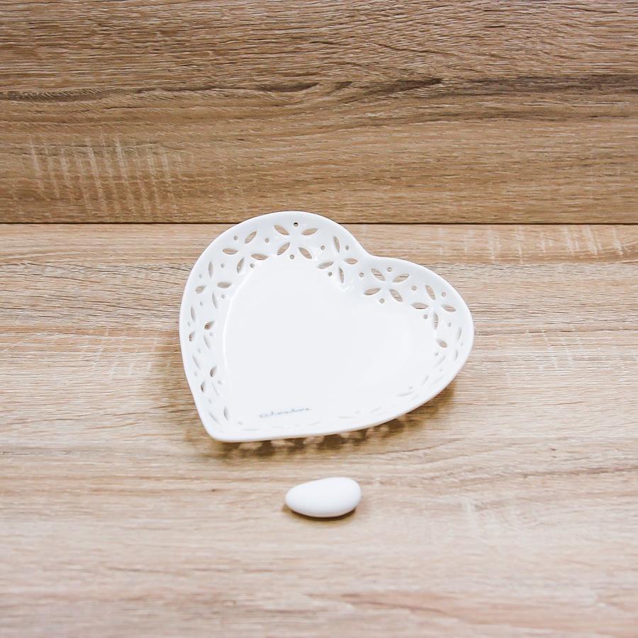 Linea Ceramica Bianca Traforata