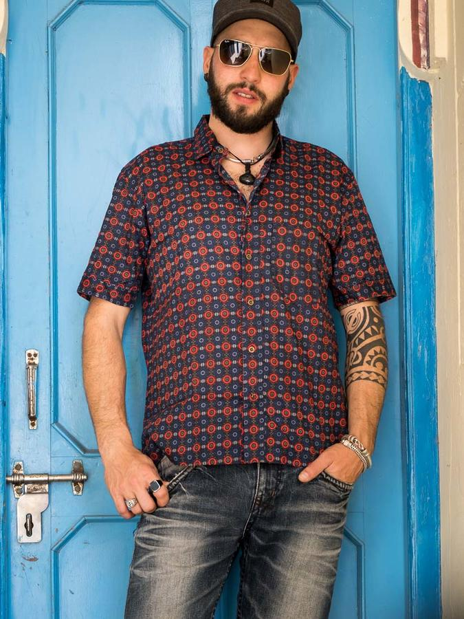 Budhil man shirt short sleeve - red & blue