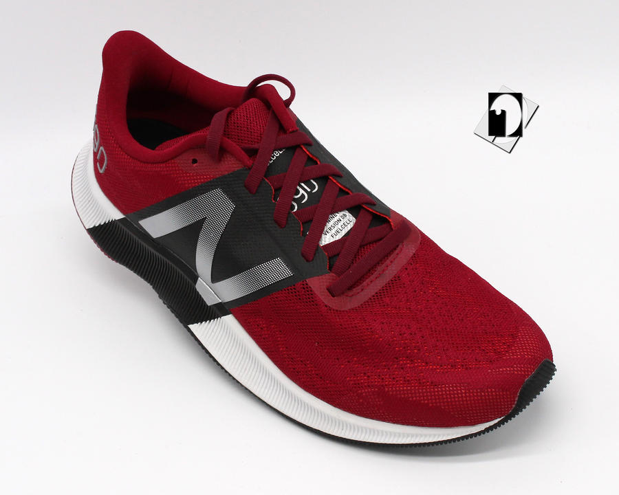 New Balance 890 Version 08 Fuelcell sneakers in 2 varianti