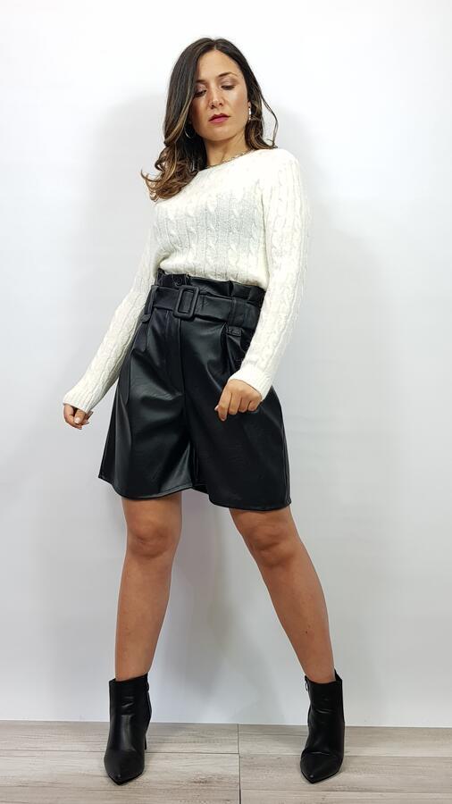 Short Ludovica