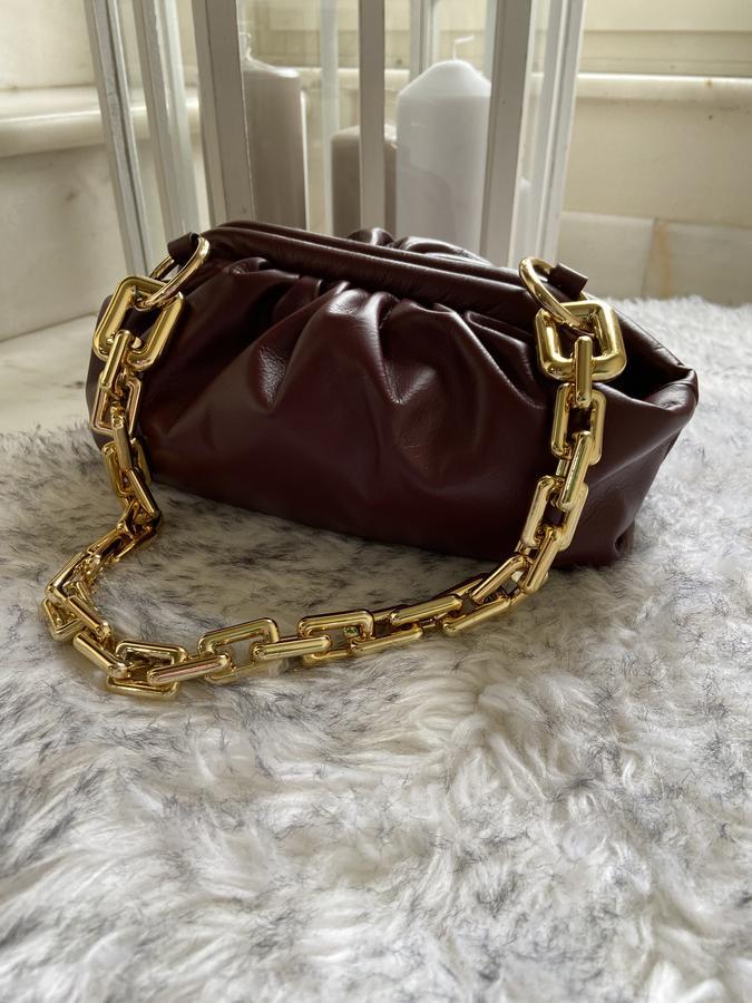 Borsa in pelle a portafoglio con catena