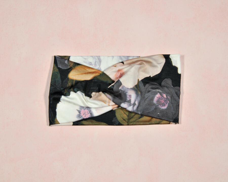 Fascia cipria rose bianche