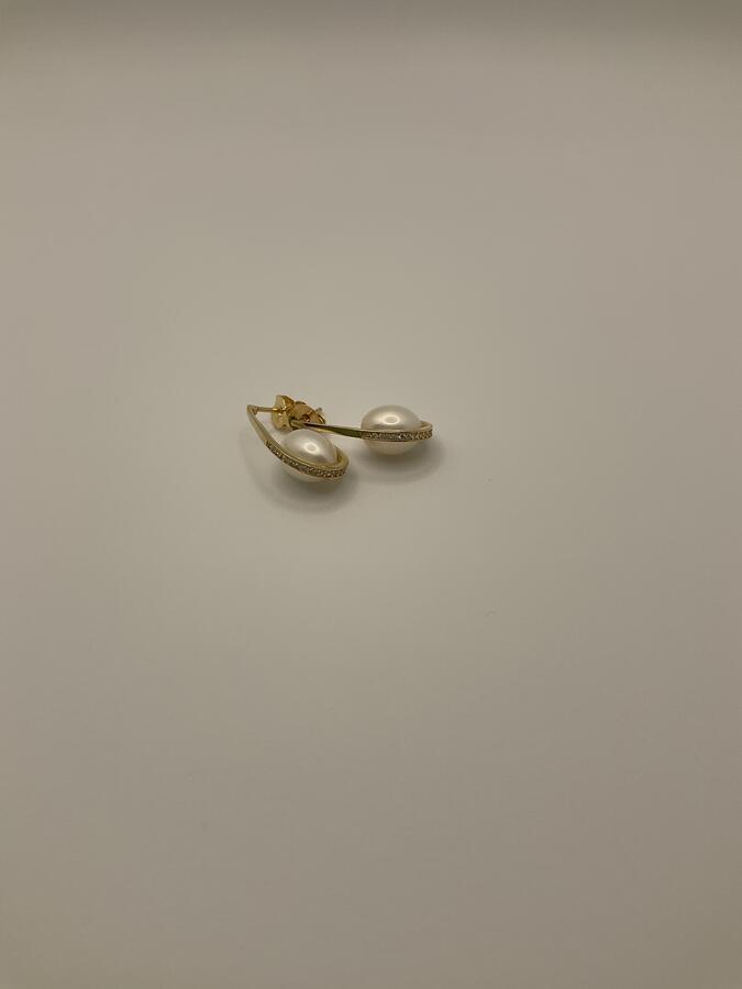 Orecchini uncino con perla di fiume