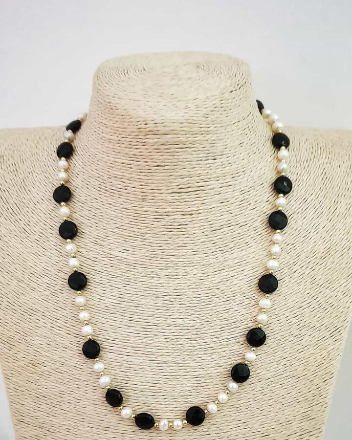 Collana perle di fiume e pietre