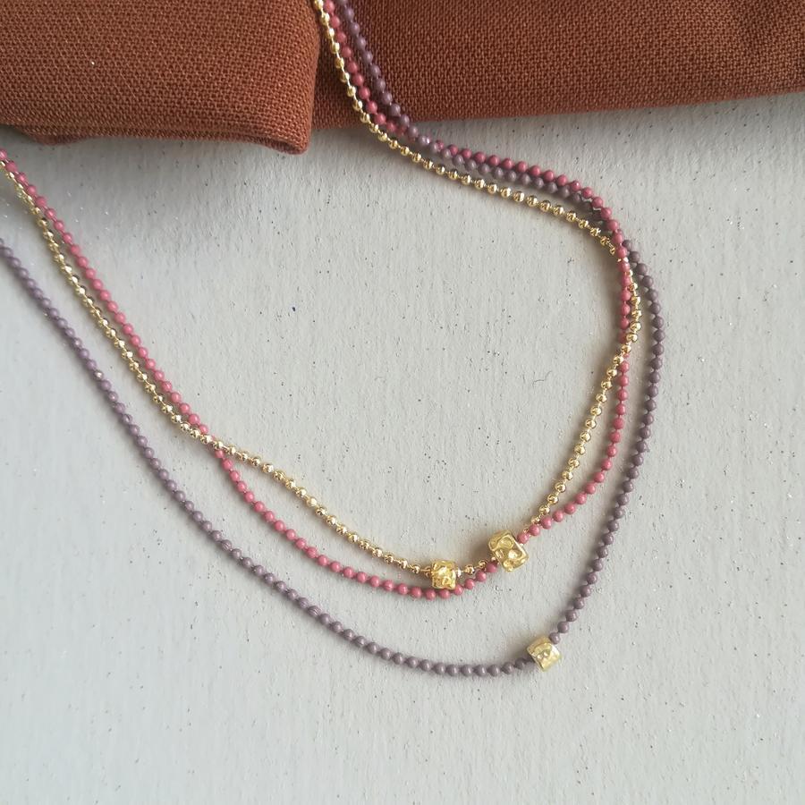 Girocollo tricolore con pepite in argento dorato [+ colori]