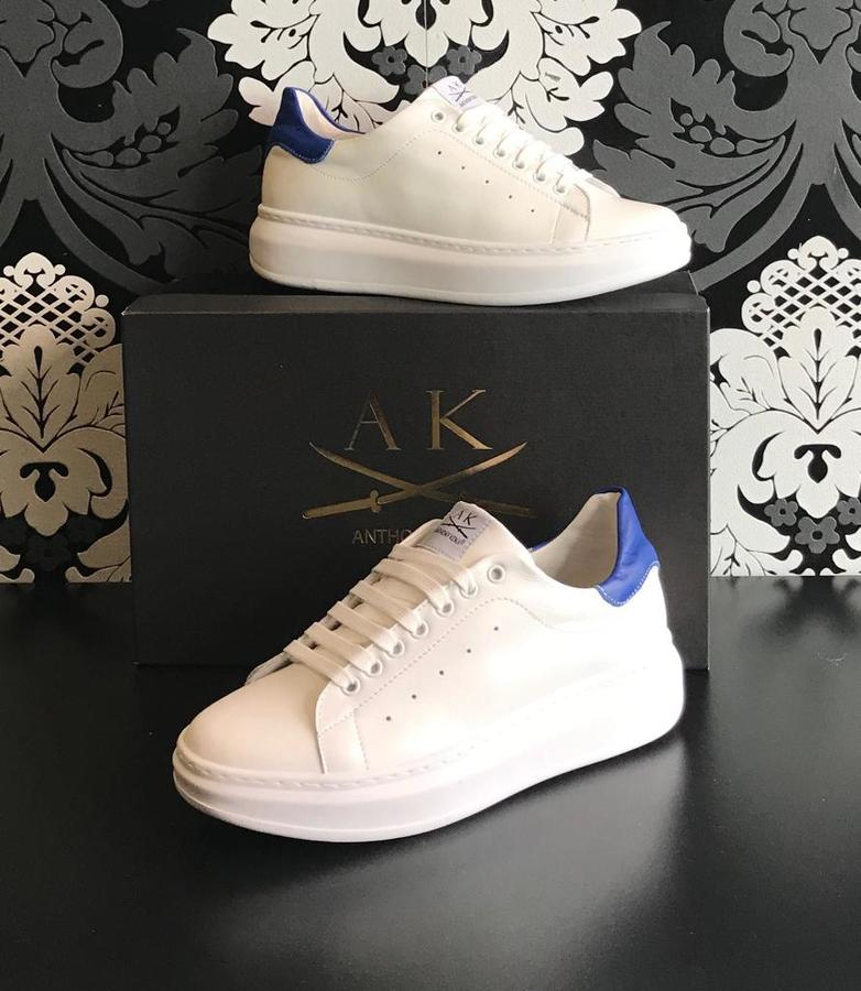 Sneakers uomo Anthony Kenji pelle bianca riporto cobalto