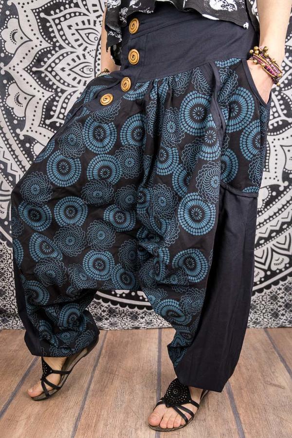 "Pantalone ""Maya"" Cavallo Basso Stile Aladino 4 Bottoni Nero Mandala Blu Petrolio"