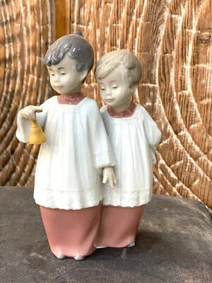 Nao - Statuetta Chierichetti in porcellana